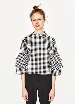 Zara блуза в клетку с рюшами на рукавах