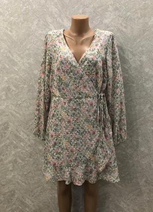 Платье шифоновое на запах в цветы