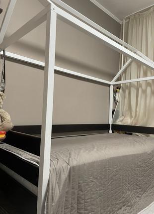 Детская кровать-домик с матрацем