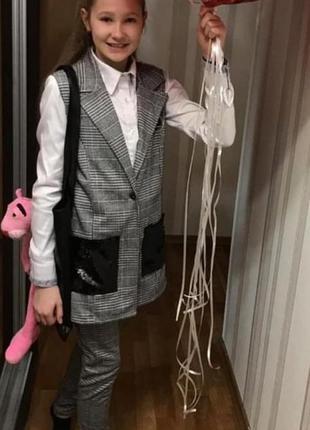Стильный костюм на девочку подростка