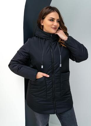 Удлиненная демисезонная куртка на силиконе черного цвета.