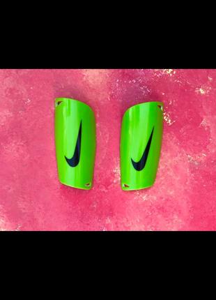Щитки Nike Mercurial Зеленые