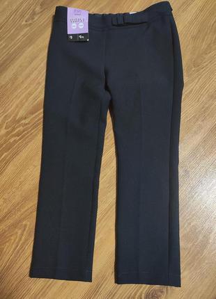 Школьные брюки на девочку f&f