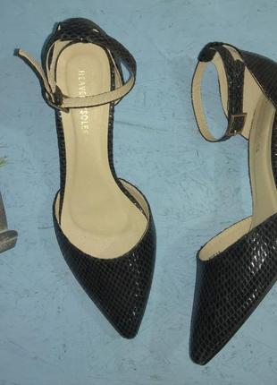 Роскошные туфли лодочки heavenly soles р 39-39,5 сост новых