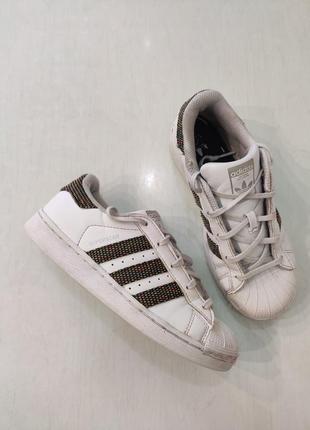 Adidas superstar. унисекс, белые кроссовки