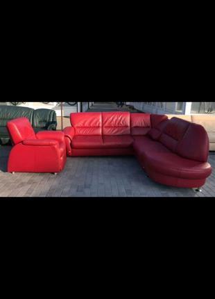 Комплект мебели угловой диван + кресло кожаный красный