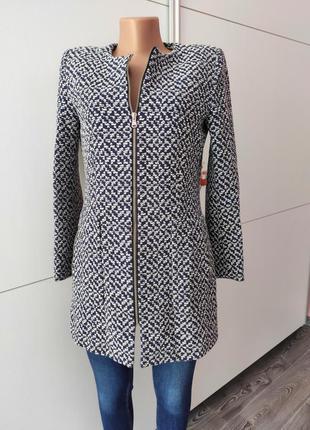 Пальто zara актуальное стильное в принт  прямого кроя с карман...
