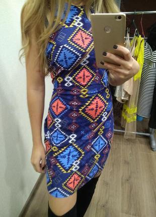 Платье сарафан яркий красивый