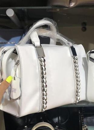 Женская кожаная сумка  в белом цвете натуральная кожа