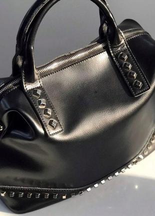 Стильная кожаная сумка в натуральной коже