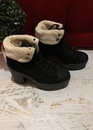 Замшевые суперские ботинки 39рр