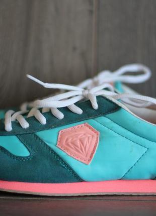 Яркие и стильные кроссовки let's go 39-40