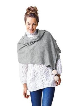 Большой тёплый вязаный шарф-шаль с помпонами tcm tchibo