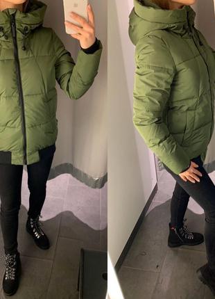 Демисезонная зелёная курточка куртка amisu есть размеры
