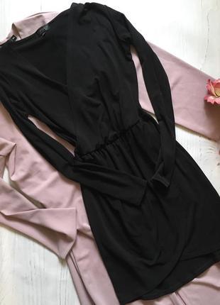 Чёрное платье на запах (s)