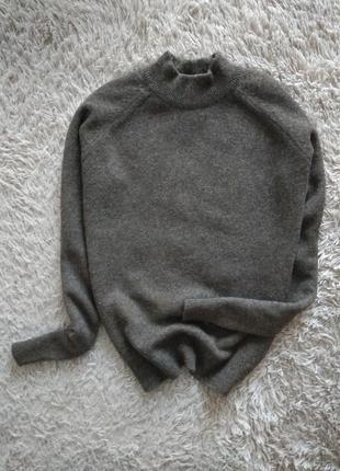 Стильний шерстяной свитер,гольф, lambswoll.