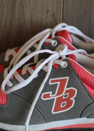 Стильные кроссовки john baner 35-36