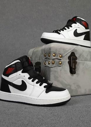 Осінні чоловічі шкіряні кросівки nike air jordan 1 чорні з білим