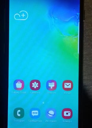 смартфон  SAMSUNG S10