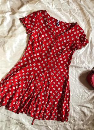 Шикарное стильное платье в цветочный принт