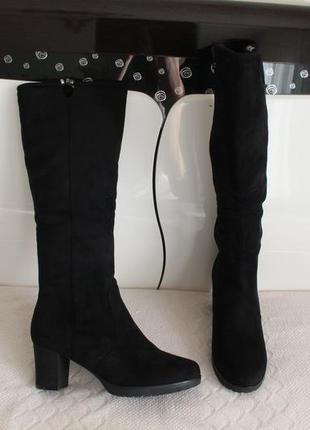 Зимние сапоги, сапожки 39 размера на устойчивом каблуке