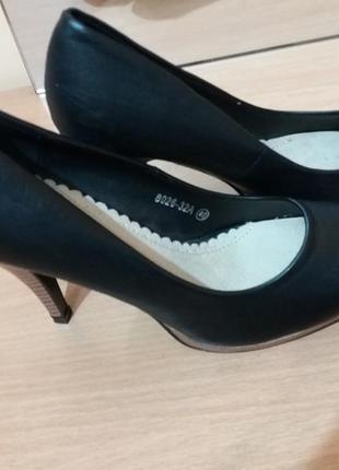 Туфли женские  франция натуральная кожа