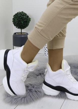 Новые шикарные женские зимние белые сникерсы ботинки