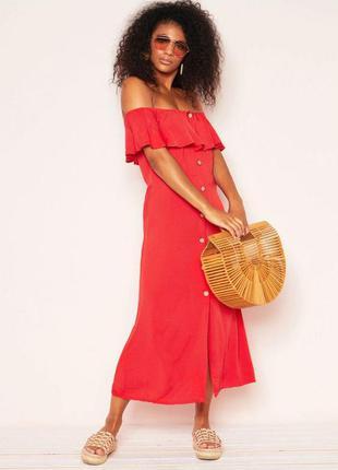 Летнее красное приталенное миди платье с открытыми плечами на ...
