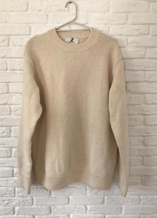 Теплый молочный кремовый свитер в составе шерсть h&m edition