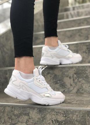 Шикарные спортивные женские кроссовки adidas в белом цвете /ве...