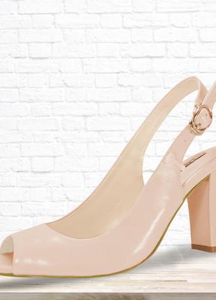 Женские босоножки на каблуке сkassic розовые. 23,5 см