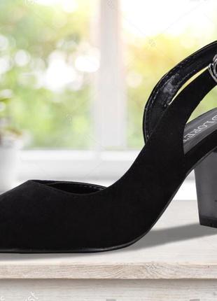 Босоножки на устойчивом каблуке. черные. 23,5 см