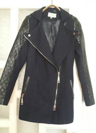 Пальто косуха с кожаными рукавами