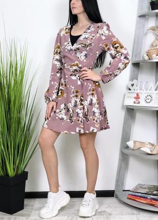 Платье на запах в цветы shein