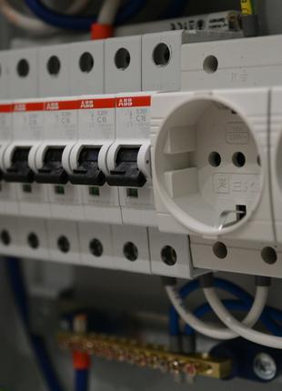 Электрик в Одессе.все виды работ.Аварийный срочный вызов все р-ны