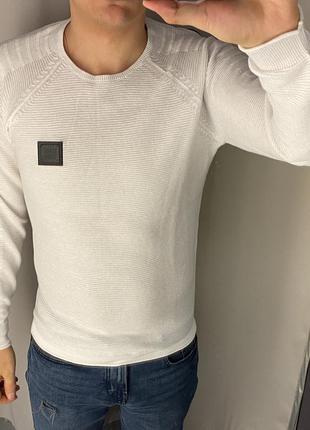 Базовый белый свитер smog есть размеры