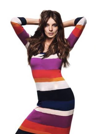 Вязаное трикотажное платье в полоску