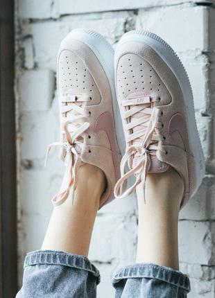 Шикарные женские кроссовки nike air force pink sage на платфор...