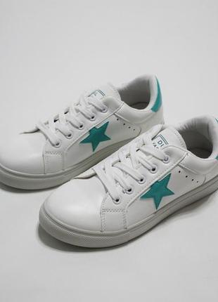 Распродажа! белые женские кроссовки (кеды) с бирюзовыми звездо...