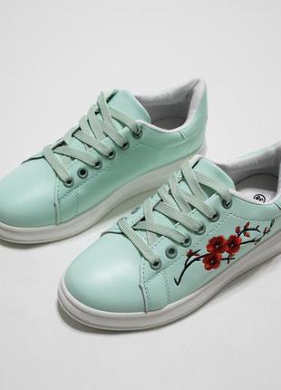 Распродажа! женские кеды (кроссовки) в мятном цвете с вышивкой...