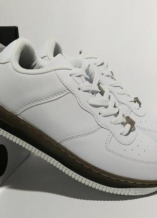 Белые кроссовки мокасины женская обувь