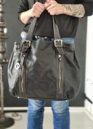L. credi. большая сумка из натуральной кожи.