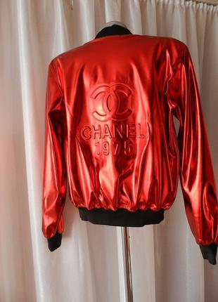 Блестящая куртка ветровка эко кожа