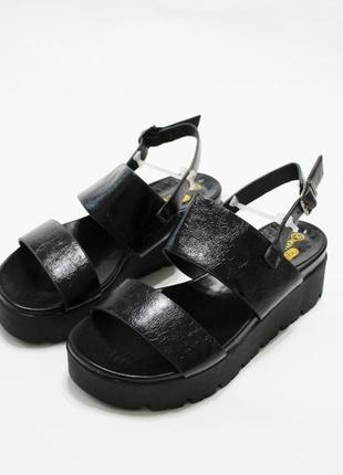 Распродажа! женские черные босоножки (сандалии) на черной толс...