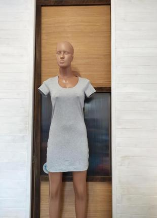 Платье приятное и мягкое