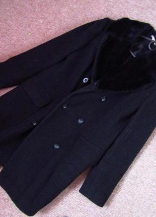 Классическое чёрное пальто с меховым воротником 100% шерсть