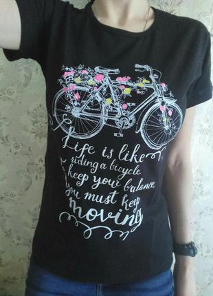 Крутая футболка с велосипедом и яркими цветами