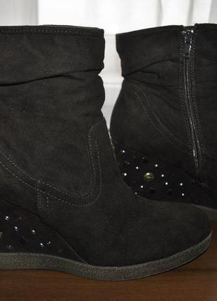 Стильные  теплые ботинки на танкетке 40рр