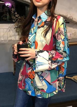Винтажная блуза с ярким принтом