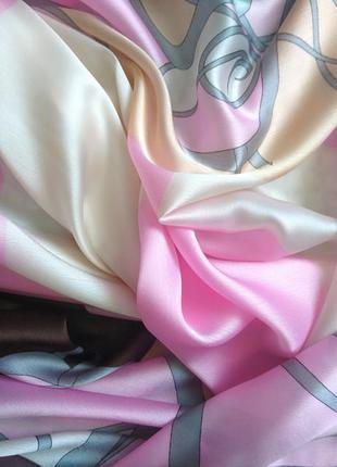 Очень красивая шёлковая шаль шарф